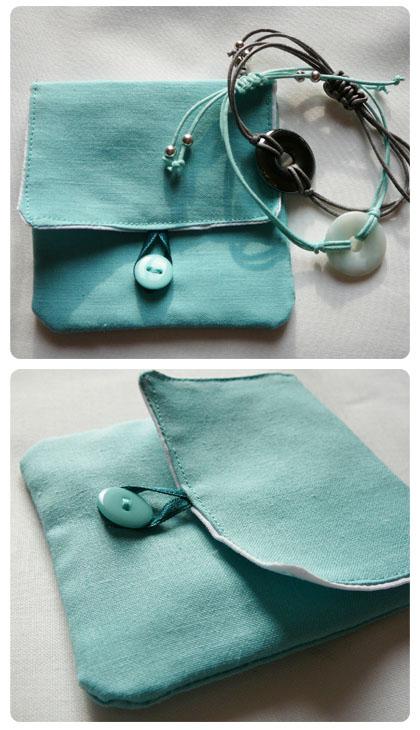 La pochette turquoise